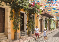 Los 10 lugares más fotogénicos de Cartagena - Peeking Places Cool Photos, Street View, Photography, Outfits, Shots Ideas, Amor, Travel Inspiration, Cartagena Colombia, Photograph