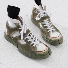 Women shoes High Heels Pump Jimmy Choo - - Women shoes Flats Casual Spring Summer - Women shoes For Fall High Heels - Adidas Shoes Women, Kinds Of Shoes, Running Shoes For Men, Mens Running, Running Sneakers, Pumps Heels, High Heels, Mules Shoes, Nike