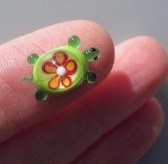 Little glass turtle