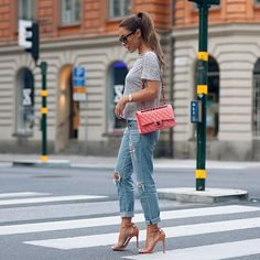 Your Style With Me: Casual chic in the city by Johanna Olsson! Sport Fashion, Love Fashion, Classy Casual, London Street, Types Of Fashion Styles, Boyfriend Jeans, Everyday Fashion, Passion For Fashion, Cute Outfits