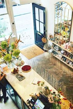 Healthy hotspot Pluk in Amsterdam, Nine Streets. Carrot cake and interior items. Only sustainable and green products over here! http://www.yourlittleblackbook.me/pluk-amsterdam-2/