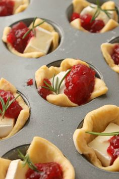 This thanksgiving appetizer, Cranberry Brie Bites recipe from The Country Cook. Cranberry Brie Bites are a super easy but beautiful appetizer. Made with crescent roll dough, brie, whole cranberry sauce and a sprig of rosemary! Thanksgiving Appetizers, Christmas Appetizers, Appetizers For Party, Appetizer Recipes, Simple Appetizers, One Bite Appetizers, Christmas Snacks, Easy Thanksgiving Side Dishes, Cranberry Recipes Thanksgiving
