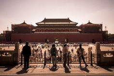 The Forbidden City in winter. La Foule by Hervé BRY on 500px