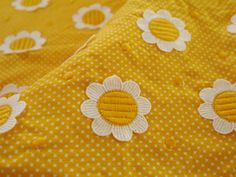 Vintage Sunny Flower Cotton by Buttonsandsuch on Etsy Fabulous Fabrics, Vintage Fabrics, Sunnies, Trending Outfits, Unique Jewelry, Handmade Gifts, Flowers, Prints, Cotton