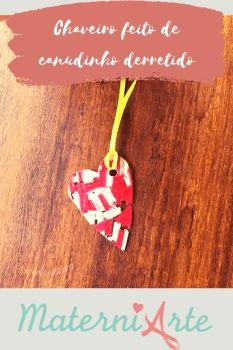 Chaveiro feito de canudinho colorido – MaterniARTE Christmas Ornaments, Holiday Decor, Videos, Crafts, Diy Gifts, Grandparents Day, Teachers' Day, General Crafts, Manualidades