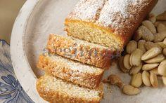Almond cake with yoghurt - Κέικ αμυγδάλου µε γιαούρτι