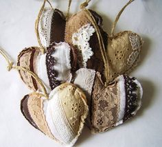 Each heart is made with pieces of (vintage) fabric, lace and felt. Size of these hearts approximately 5 inch each.