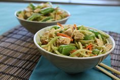 Hungry Girl's Easy Chicken Recipes: Spicy Thai-Style No-Cook Stir-Fry Spicy Recipes, Asian Recipes, Whole Food Recipes, Chicken Recipes, Dinner Recipes, Healthy Recipes, Ethnic Recipes, Ww Recipes, Asian Foods