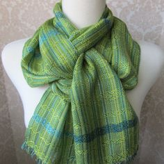 Love these colors -- they feel cool and warm at the same time. And the gorgeous knot!