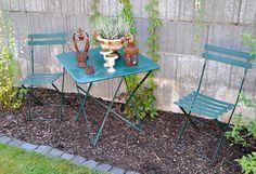 Unsere französische Serie Bistro bringt ein wenig provencalisches Flair in Ihren Garten - gefunden auf www.country-garden.de