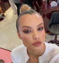 Neutral Makeup, Simple Eye Makeup, Glowy Makeup, Natural Makeup Looks, Dior Makeup, Natural Beauty, Makeup Goals, Makeup Tips, Makeup Geek