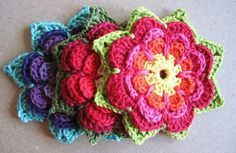 10crochet flower patterns