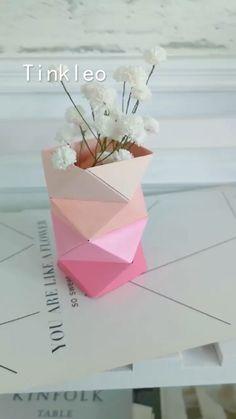Origami Flowers 410531322287322994 - DIY Irregular Paper Flower Bottle Source by Diy Crafts Hacks, Diy Crafts For Gifts, Diy Arts And Crafts, Creative Crafts, Crafts For Kids, Diys, Creative Art, Instruções Origami, Paper Crafts Origami