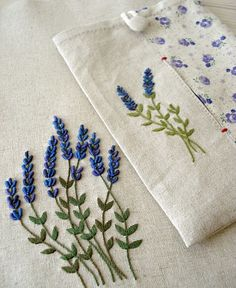 Wonderful Ribbon Embroidery Flowers by Hand Ideas. Enchanting Ribbon Embroidery Flowers by Hand Ideas. Floral Embroidery Patterns, Embroidery Stitches Tutorial, Embroidery Flowers Pattern, Simple Embroidery, Hand Embroidery Designs, Crewel Embroidery, Embroidery Kits, Ribbon Embroidery, Embroidery Supplies