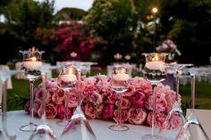 Matrimonio a Villa Piccolomini – Elegance wedding – San Pietro » Federica Ambrosini Flower Design #centerpieces #flower #flowerlovers #decor #wedding #federicaambrosinifloraldesign #candle #weddingday #weddingidea