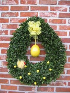 Looking for a wreath for between Valentie's Day and Spring...love it!