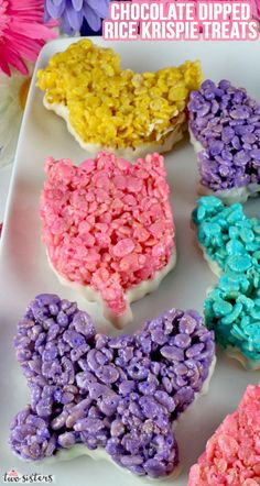 Chocolate Dipped Rice Krispie Treats - an Easter dessert that is fun, easy and delicious. Your family will love this unique Easter treat that is dipped in yummy White Chocolate. Pin these pretty Spring Rice Krispie Treats for later and follow us for more great Easter Food Ideas.