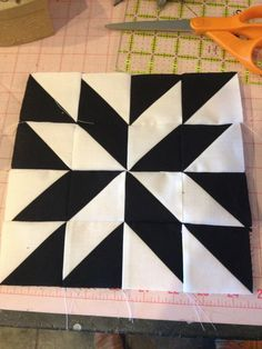 knit 'n lit: Modern Half-Square Triangle Quilt-a-Long Block 22 Star Quilt Blocks, Star Quilts, Quilt Block Patterns, Pattern Blocks, Block Quilt, Modern Quilt Blocks, Quilting Tutorials, Quilting Projects, Quilting Designs