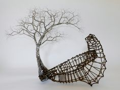 Sudanese artist and its installations and sculptures.