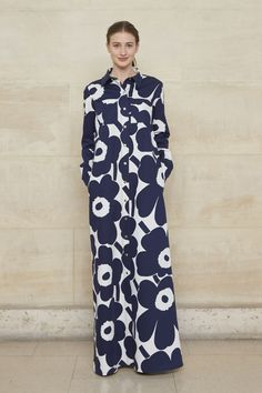 See all the looks from the show Fashion 2018 Trends, Fashion News, Qipao Modern, Dress Up, High Neck Dress, Marimekko, Cotton Silk, Paris Fashion, Chiffon