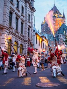 Fêtes de la Nouvelle-France, Québec Places Ive Been, Street View, Canada, Vacation, Adventure, Baby Born, World, Vacations, Holidays Music