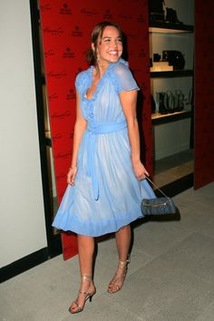 Arielle Kebbel #Arielle Kebbel#legs#heels#bright blue