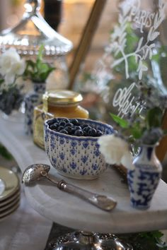 Breakfast bar styled by blogger French-Kissed. Spode china in Fleur de Lys pattern.