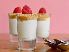 5-ingredient cheesecake mousse shots
