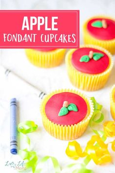 These simple apple fondant cupcakes are so simple and easy to make. Decorating with fondant is so much fun! These apple cupcakes are perfectly easy! Apple Cupcakes, Fondant Cupcakes, Yummy Cupcakes, Easy Desserts, Delicious Desserts, Cupcake Recipes, Dessert Recipes, Kindergarten Snacks, Sugar Cravings