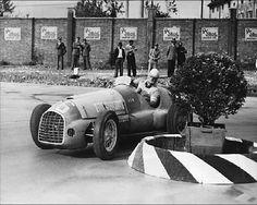 Juan Manuel Fangio 1949 Forse nella corsa nº 59 da J-M Fangio: Circuito de Palermo (Argentina) Ferrari 125/166. 2º assoluto
