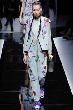 Emporio Armani Spring 2017 Ready-to-Wear Fashion Show - Bibi Sharipova