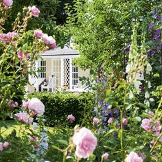 Take a tour around a beautiful English country garden English cottage garden inspiration English Country Cottages, English Country Gardens, English Cottage, English House, The Secret Garden, Secret Gardens, Garden Cottage, Cottage Door, Garden Photos