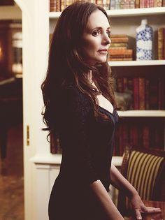 Madeleine Stowe as (Queen) Victoria Grayson, kills it.