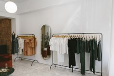 Margot Molyneux_Shop_034