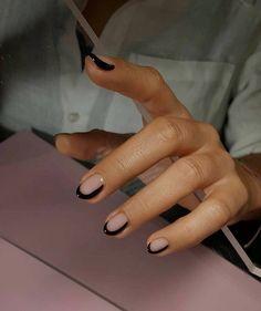 Pin on Nageldesign - Nail Art - Nagellack - Nail Polish - Nailart - Nails Pin on Nageldesign - Nail Art - Nagellack - Nail Polish - Nailart - Nails Cute Summer Nail Designs, Cute Summer Nails, Minimalist Nails, Minimalist Art, Minimalist Photos, Acrylic Nails, Gel Nails, Nail Polish, Matte Nails