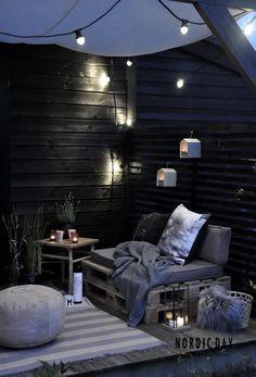 Turbūt dauguma, turinčių nuosavą namą ar kotedžą, svajoja apie jaukią terasą. Tiesiog pastačius kelis lauko baldus, jaukumo vis dar trūksta. Kas jį suteikia?
