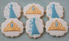 Frozen cookies by Miss Biscuit Frozen Birthday Theme, Frozen Theme Party, Disney Birthday, Disney Cupcakes, Disney Cookies, Iced Cookies, Yummy Cookies, Sugar Cookies, Biscuit Decoration