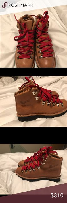 Womens danner hiking boots Brand new- never worn Oregon made, danner hiking boots. Size 8 Danner Shoes Combat & Moto Boots