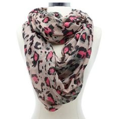 I have this scarf! And love it! One of my faves. ♡