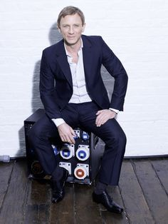 This is a non-official tumblr dedicated to the talented British actor, Daniel Craig. Creator:...