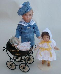 Dollmaker Brit- antique small dolls