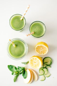 Learn how to make this Cucumber Mint Cooler in your Vitamix! Yummy smoothie inspiration for Karen Gilbert PinsMore ideas Healthy Juices, Healthy Drinks, Healthy Snacks, Healthy Life, Healthy Living, Liquid Meals, Cucumber Detox Water, Wellness, Fruit Juice