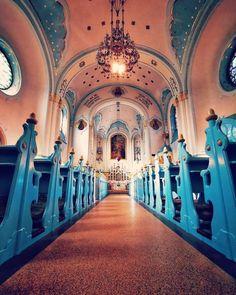 Inter Rail, Bratislava Slovakia, Central Europe, Eastern Europe, Romania, Places To Go, Castle, Catholic Churches, Around The Worlds