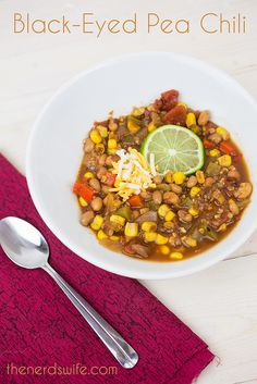 Black Eyed Pea Chili with quinoa, corn, and roasted tomatoes -- a yummy vegetarian recipe that is perfect for New Year's Day or a cold winter night. #MarketStreetTX