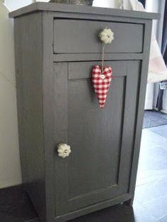 "nice grey closet  painted with Flexa ""Lei"" VT wonen"