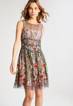 Stylizacje dnia z Inspiruj.net – Letnie kwiaty - KobietaMag.pl Adele, Summer Outfits, Summer Dresses, Fashion, Summer Clothes, Gowns, Moda, Summer Wear, Summer Sundresses