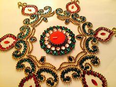 what is Kundan Rangoli Diwali Decorations, Table Decorations, Indian Embroidery Designs, Rangoli Ideas, Diwali Rangoli, Ornament Wreath, Seasonal Decor, Wedding Centerpieces, Green Colors