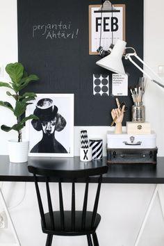 Via NordicDays.nl | Nurin Kurin | Home Office | Black and White