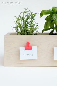 labels for planter centerpieces. DIY planter box