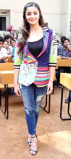Alia Bhatt promotes 2 States film at L S Raheja College #Style #Bollywood…